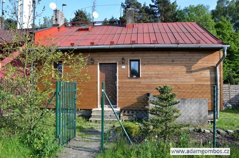 Zrekonstruovaný finský domek 2+kk s udržovanou zahradou